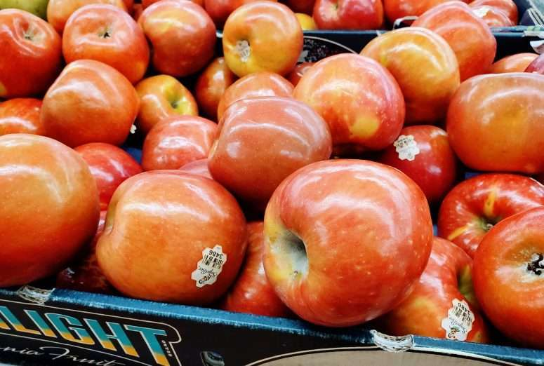 a box of sugarbee apples