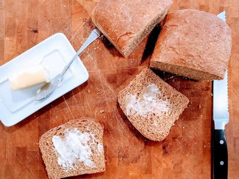 New England Anadama Bread